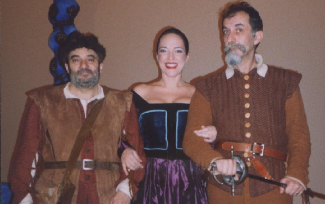 La primera foto de Julieta sobre un escenario